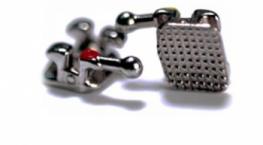 Unterkiefer mit Hook, Torque-12°, Angulation +2°, R/L LL 4H, .018